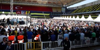 Fenerbahçe'nin Tarihi Kongresi'nde Acı Olay! Oy Verme İşleminde Kalp Krizi Geçiren Divan Kurulu Üyesi Hayatını Kaybetti