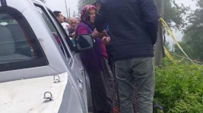 Gümüşhane'de Akıl Almaz Olay! 75 Yaşındaki Annesini Tarlanın Ortasında Döve Döve Öldürdü
