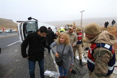 Güne Kötü Haberle Başladık! Malatya'da Yolcu Midibüsü Devrildi, Ölü ve Yaralılar Var