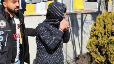 İç Çamaşırından Çıkanlar Polisi Bile Şaşkına Çevirdi! Tam Bin 850 Tane