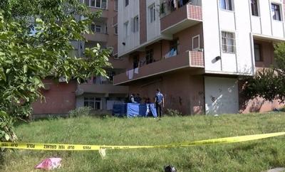 İstanbul Bahçelievler'de Bir Kişi Yaşadığı Apartmanın Bahçesinde Ölü Bulundu