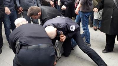 Karaman'da Şok Olay! Önce Bıçakladı Sonra Sedyedeyken Tekmelemeye Çalıştı