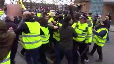 Londra'da Terör Yandaşları Türk Çifti Linç Etmeye Çalıştı, Meydan Dayağını Yiyip Geri Döndü