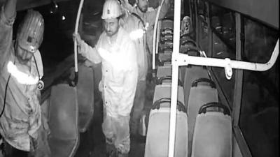 Maden İşçileri Yüreklere Dokundu! Boş Otobüste Ayakta Gittiler