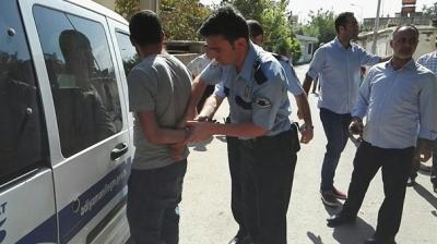 Mahalleli Hırsıza Önce Meydan Dayağı Attı! Ardından Polise Teslim Etti