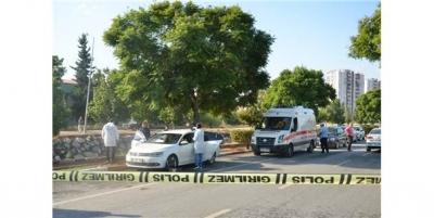 Mersin'de Dehşet Anlar! Otomobil Pompalı Tüfekle Tarandı: 1 Kişi Öldü, 1 Kişi Yaralandı