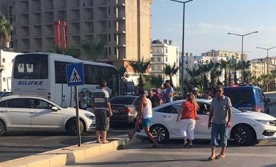 Mersin'de Şüpheli Paket Paniği! Karayolu Trafiğe Kapatıldı