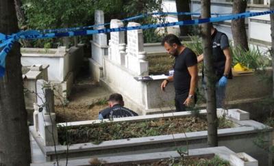 Mezarlıkta Görevlileri Şok Eden Olay! Gözlerine İnanamadılar