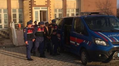 Niğde'de 17 Yaşındaki Genç Kızı Zorla Araca Bindirip Kaçıran 3 Kişi Yakalandı