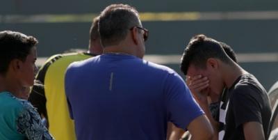 On Futbolcu Yanarak Can Verdi, Herkes Gözyaşlarına Boğuldu