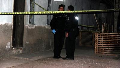 Para Yüzünden Tartıştığı 14 Yıllık Eşini 5 Yaşındaki Kızının Önünde Bıçaklayarak Öldürdü