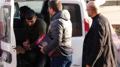 Polisi Görünce Kaçmaya Başladılar, Yakalanınca Gerçek Ortaya Çıktı