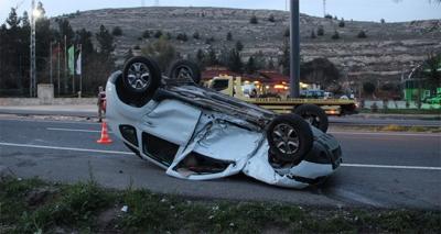 Şanlıurfa'da İki Otomobil Feci Şekilde Çarpıştı! 1'i Ağır 5 Yaralı
