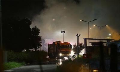 Son Dakika! Kocaeli'de Karton Fabrikasına Yıldırım Düştü, Ardından Yangın Başladı