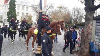 Sultan Ahmet Meydanı'nda Atlı Polisler Göreve Başladı