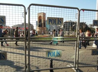 Taksim'de 1 Mayıs Önlemleri, Her Yer Bariyerlerle Kapatıldı