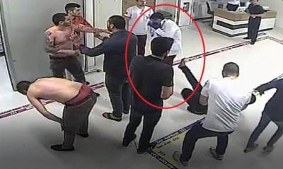 Tedavi Olmak İçin Geldiği Hastanede Doktorun Yüzüne Tekme Attı