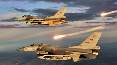 TSK, Kuzey Irak'a Bomba Yağdırıyor! 4 Terörist Öldürüldü Çok Sayıda Sığınak ve Mevziler İmha Edildi