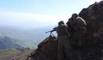 TSK'nın Operasyon Sürdürdüğü Kandil'den Görüntüler! PKK'lı Teröristler Arkalarına Bakmadan Kaçıyor